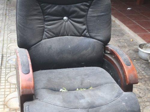 Thời gian lâu không sử dụng làm mất độ bóng của da ghế