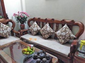 Bộ đệm ghế gỗ giả cổ tại đường Giải Phóng