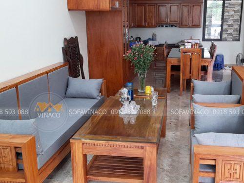 Cả bộ đệm ghế gỗ đã được làm xong cho chị Quyên ở Xuân Phương