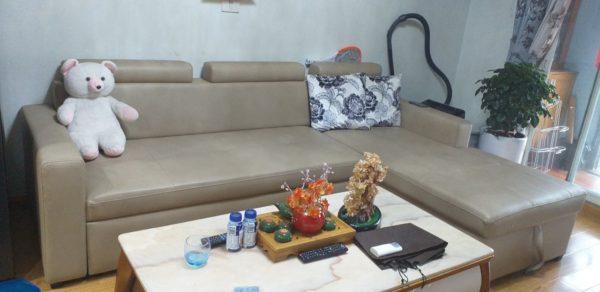 Bộ ghế sofa da của anh Vỹ lúc chưa bọc da mới
