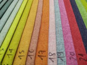Có rất nhiều màu sắc khác nhau và mặt vài rất mịn
