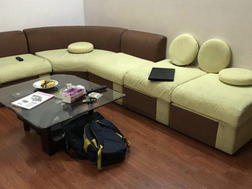 Bộ ghế sofa cũ cần được bọc lại vỏ bên ngoài