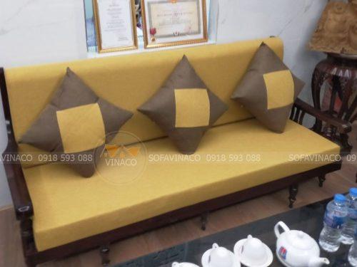 Làm đệm ghế mùa vàng tại phố Bắc Cầu, Long Biên