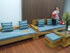 Bộ đệm ghế được làm cùng tông màu xanh rất đẹp