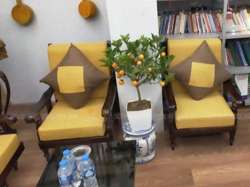 Bộ đệm ghế màu vàng tại phố Bắc Cầu, Long Biên đã hoàn thành