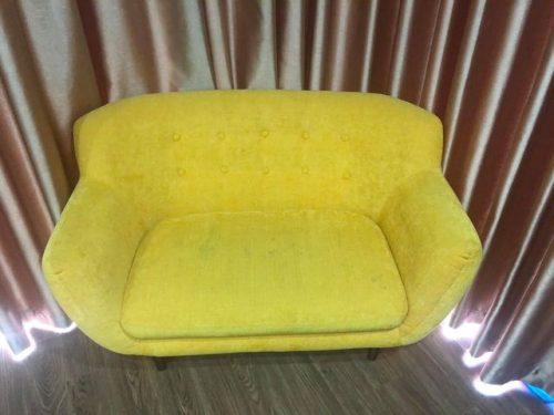 Chiếc ghế sofa đơn của chị Ánh ở Hữu Hưng, Đại Mỗ