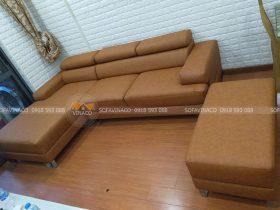 Bộ ghế sofa của gia đình chị Hương đã được nhân viên Vinaco tiến hành bọc lại đã hoàn thành