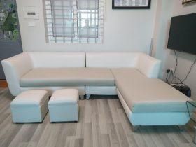 Bộ ghế sofa góc được thay lớp vỏ mới do nhân viên Vinaco thực hiện tại chung cư Đồng Tàu, Hoàng Mai