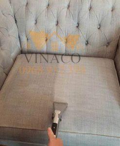 Sử dụng những máy móc hiện đại, dịch dịch vệ sinh sofa chất lượng
