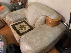 bộ ghế sofa da cũ bẩn tại Bắc Linh Đàm