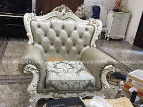 Tay vịn ghế sofa đã được phục chế và sơn lại giống với màu ghế cũ