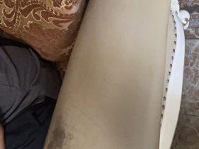 Bong tróc và rạn nứt trên tay vịn ghế sofa nhà khách hàng tại Hoàng Hoa Thám