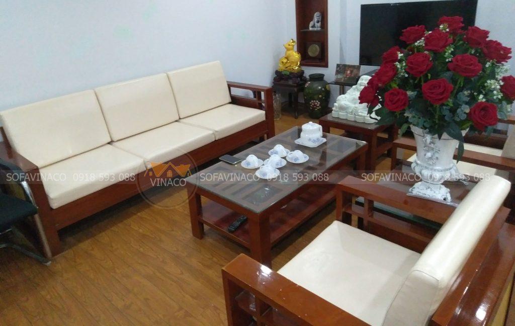 Đệm ghế gỗ phần ngồi theo kiểu đơn giản