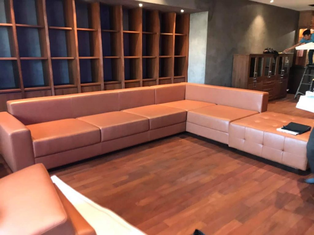 Bộ ghế sofa góc da chưa được may vỏ ga chùm tại Hoàng Mai, Hà Nội