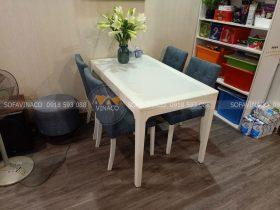 4 ghế bàn ăn đã được nhân viên Vinaco bọc xong tại Phú Thượng, Tây Hồ