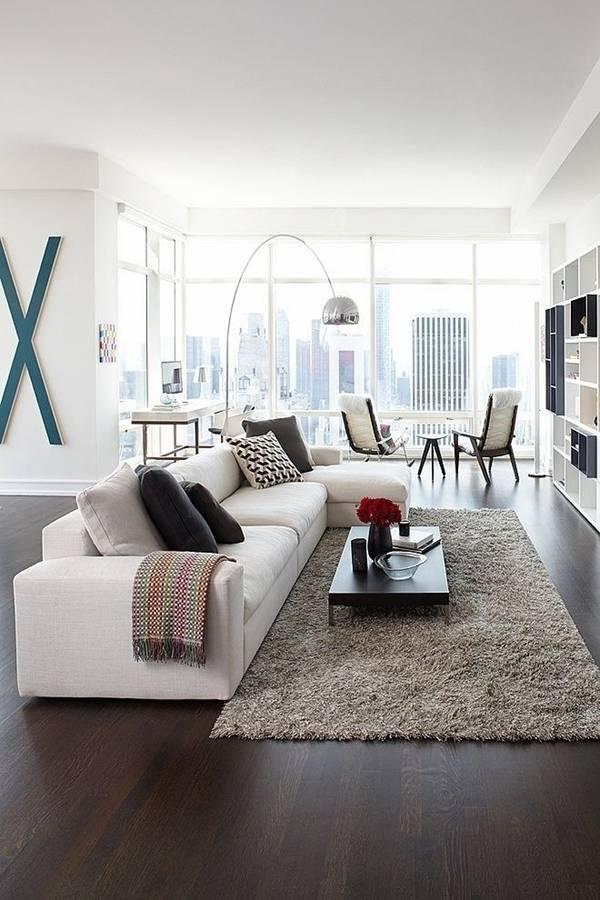 Sofa góc sang trọng gam màu trắng phù hợp với tường trắng cho không gian