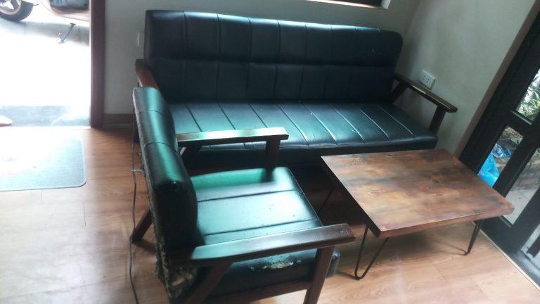 Bộ ghế sofa nguyên trạng của anh Tuấn tại chung cư Lâm Viên