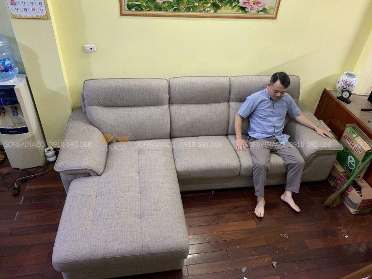 Bộ ghế sofa sau khi thay bỏ lớp da sang chất liệu vải tại Đống Đa, Hà Nội