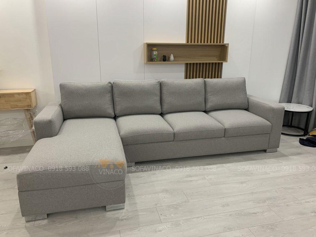 Bộ ghế sofa góc của gia đình anh Minh tại Lê Đức Thọ đã được thay vỏ bọc mới màu xám ghi
