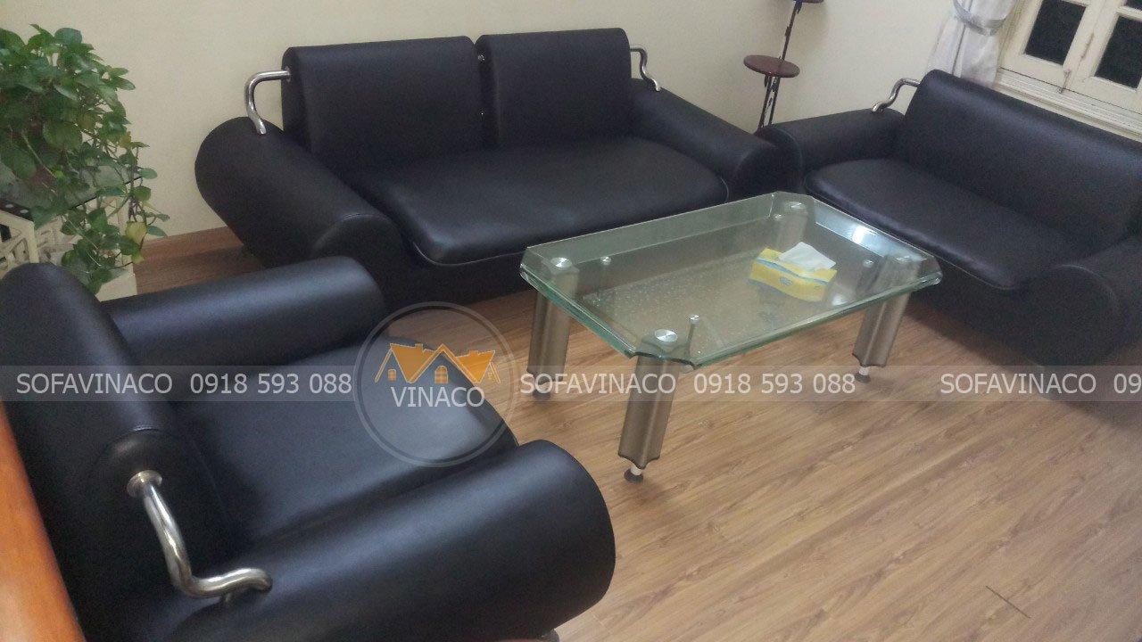 Công trình ghế sofa đã được nhân viên Vinaco bọc xong tại nhà chị Huệ tại Phú diễn, Hà Nội